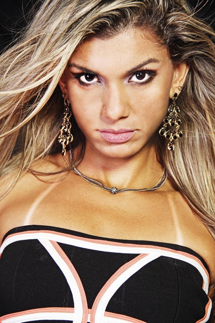 Modelo Anna Ferreira – Atessue Acessórios
