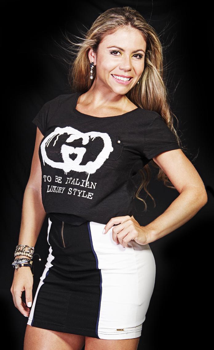 Modelo Flavia Oliveira – Atessue T-shirt